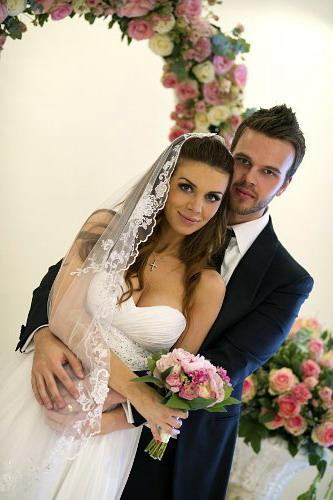 Почему Седакова развелась с мужем? Версии сторон