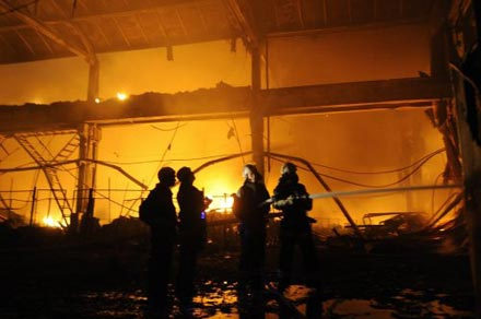 пожар на складе Эльдорадо